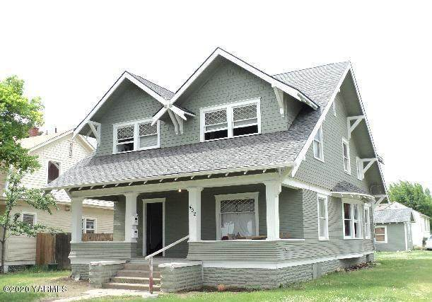 402 S 7th Ave, Yakima, WA 98902 (MLS #20-2669) :: Heritage Moultray Real Estate Services
