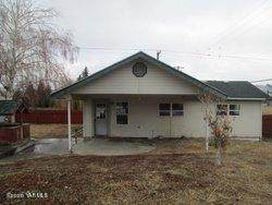 502 Hennessey Rd, Yakima, WA 98908 (MLS #20-2779) :: Heritage Moultray Real Estate Services
