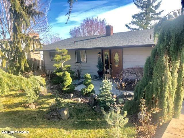 5506 Hilltop Dr, Yakima, WA 98901 (MLS #20-558) :: Joanne Melton Real Estate Team