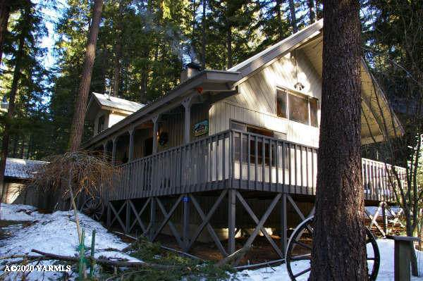 170 Cliffdell Ln, Naches, WA 98937 (MLS #20-624) :: The Lanette Headley Home Group