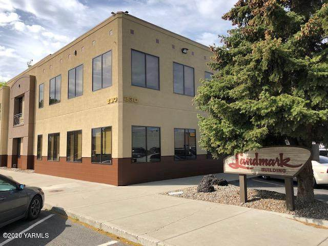 230 S 2ND St, Yakima, WA 98901 (MLS #20-952) :: Heritage Moultray Real Estate Services