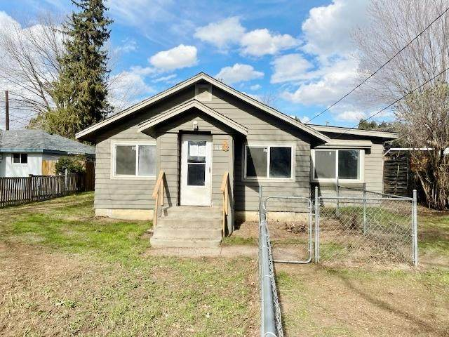 1111 Maple Way, Zillah, WA 98953 (MLS #21-1876) :: Heritage Moultray Real Estate Services