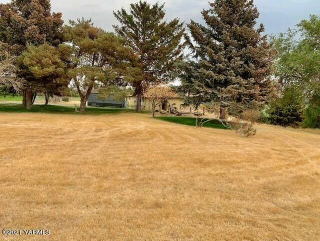 2611 Draper Rd, Yakima, WA 98903 (MLS #21-2042) :: Heritage Moultray Real Estate Services