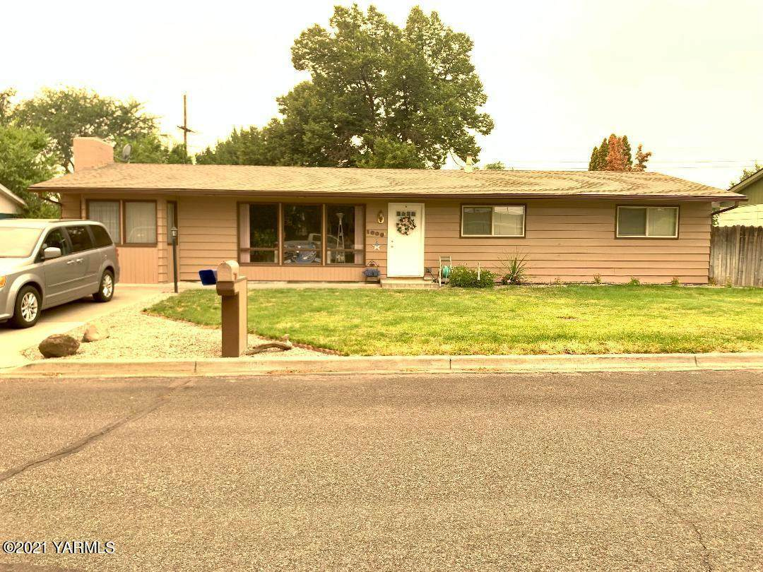 1008 49th Ave - Photo 1