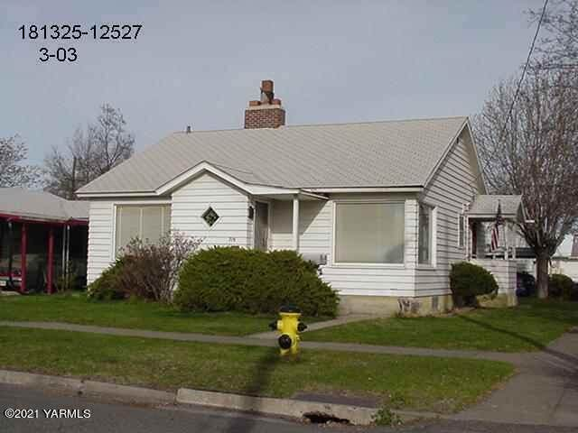 719 9th Ave - Photo 1