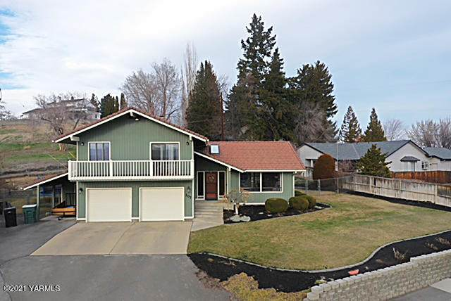 207 80th Ave - Photo 1