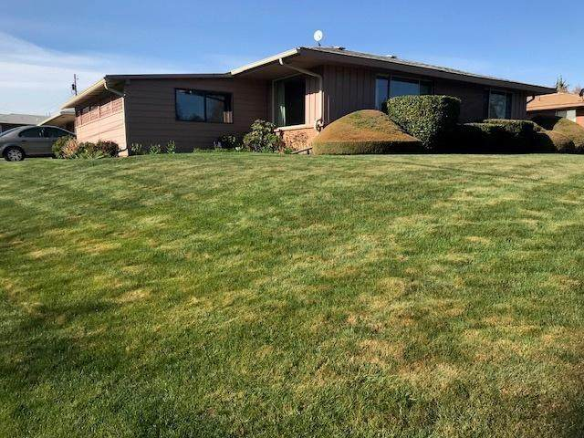 314 N 37th Ave, Yakima, WA 98902 (MLS #21-750) :: Candy Lea Stump | Keller Williams Yakima Valley