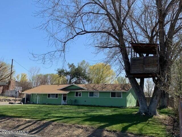 120 Graber Rd, Selah, WA 98942 (MLS #21-766) :: Amy Maib - Yakima's Rescue Realtor