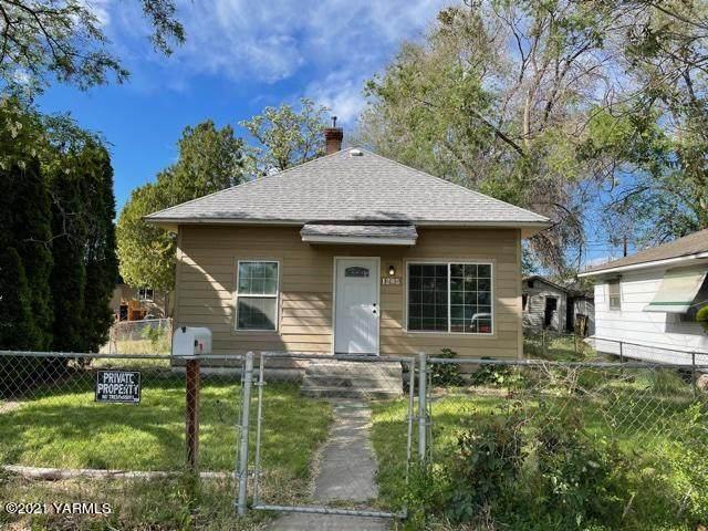 1205 Garfield Ave, Yakima, WA 98902 (MLS #21-994) :: Amy Maib - Yakima's Rescue Realtor