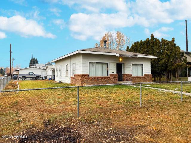 1518 Queen Ave, Yakima, WA 98902 (MLS #20-19) :: Heritage Moultray Real Estate Services