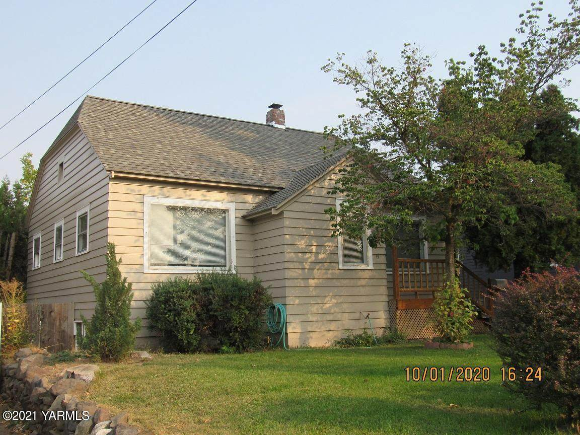 107 26th Ave - Photo 1