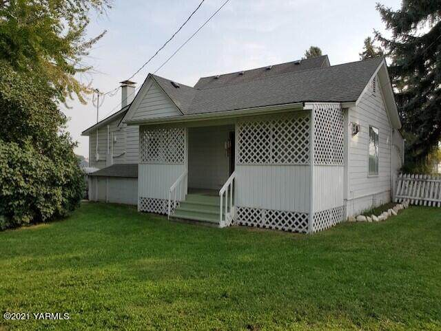 627/621 S 80th Ave, Yakima, WA 98908 (MLS #21-2381) :: Heritage Moultray Real Estate Services
